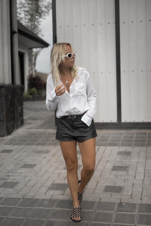 amelia-sandal_the-fable-shirt