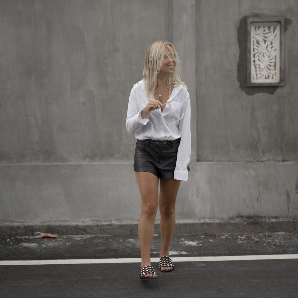 amelia-sandal_the-fable-shirt-2