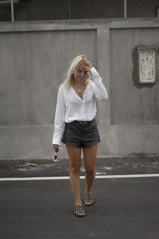 amelia-sandal_the-fable-shirt-3
