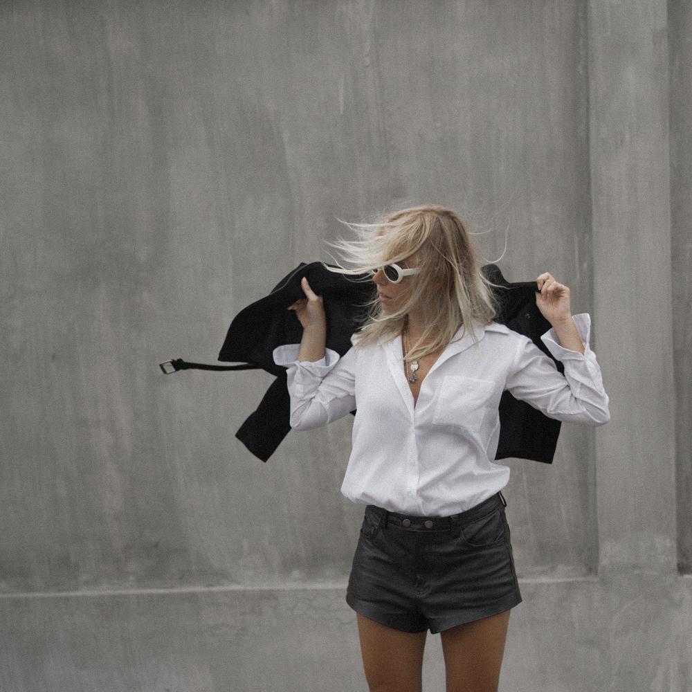 amelia-sandal_the-fable-shirt-4